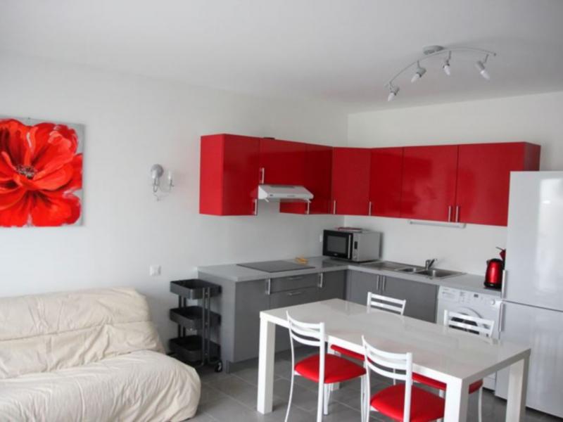 maison 2 6 personnes avec climatisation et piscine dans l 39 h rault. Black Bedroom Furniture Sets. Home Design Ideas