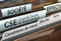 Dossiers RH avec dossier fonctionnement CSE (c) Adobe Stock Olivier Le Moal